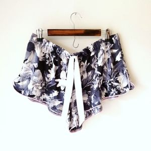 COPY - NWT‼ VS Sexy lingerie booty lounge floral …